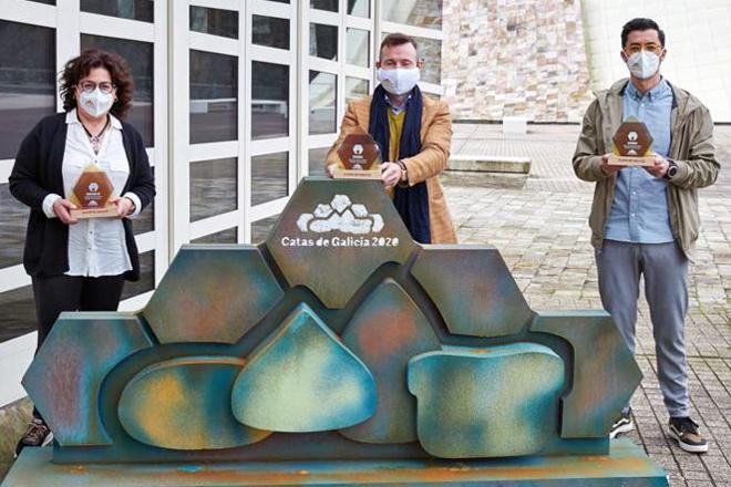 A produción de mel no val do Ouro: tradición con relevo xeracional e recoñecemento á calidade- Artigo de Campo Galego